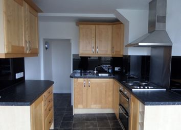 Thumbnail 2 bedroom maisonette to rent in Hillside, Hoddesdon