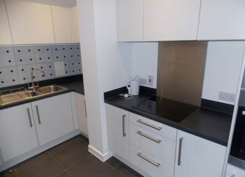Thumbnail 1 bed flat to rent in Bermuda Way, Stepney