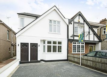 Thumbnail 3 bedroom flat for sale in Great North Way, Hendon