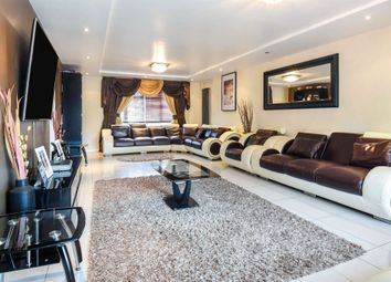 5 bed detached house for sale in Roseacre Close, Emerson Park, Hornchurch RM11