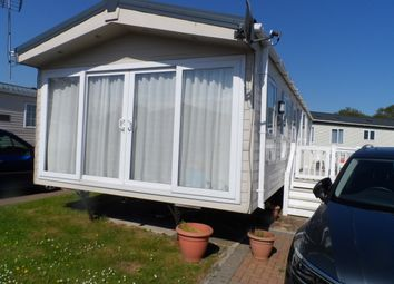Thumbnail Mobile/park home for sale in London Road, Clacton On Sea