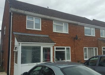 4 bed semi-detached house to rent in Stratfield Road, Kidlington OX5