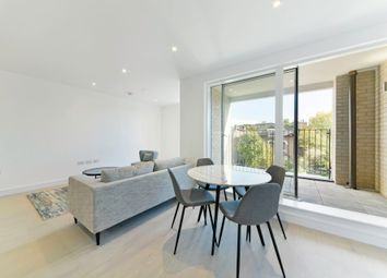 Thumbnail 1 bedroom flat to rent in The Avenue, Queens Park, London