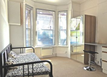 Thumbnail 1 bed flat to rent in Bulmershe Road, Reading