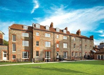 London Road, Reading, Berkshire RG1. 2 bed flat for sale