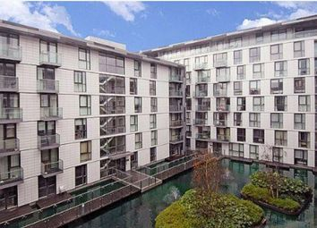 Thumbnail 1 bed flat to rent in Gowers Walk, Aldgate, London