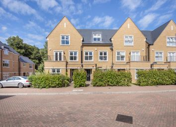 Englefield Green, Surrey TW20. 5 bed town house