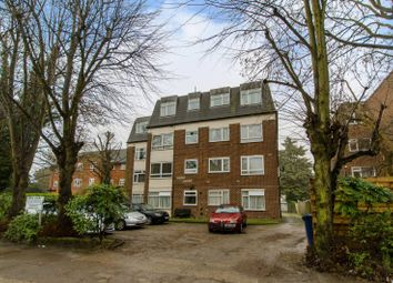 Thumbnail 2 bedroom flat for sale in High Road, North Finchley
