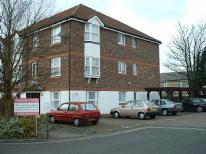 Thumbnail Flat to rent in Fiveacre Close, Thornton Heath