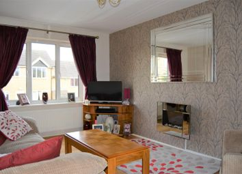 Thumbnail 2 bed flat to rent in Hill Top Road, Moldgreen, Huddersfield