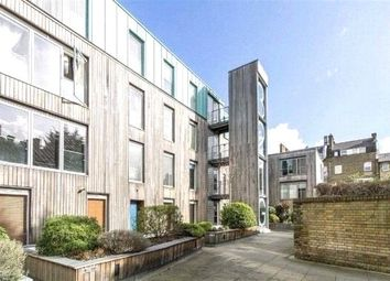 Thumbnail 2 bed flat to rent in Balham Grove, London