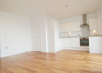 Thumbnail 3 bedroom flat to rent in Pitfield Street, London