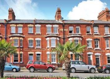 Thumbnail 2 bed flat to rent in Station Road, Henley