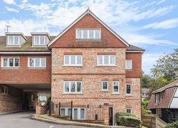 2 bed flat for sale in Kings Road, Haslemere GU27