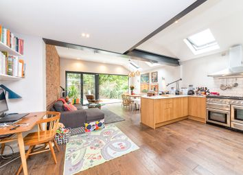 Thumbnail 3 bed flat to rent in Beresford Road, London
