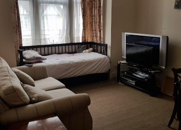 Thumbnail 2 bedroom flat to rent in Auckland Road, Ilford - IG1, Ig2, Ig6, Ig5, Ig4,