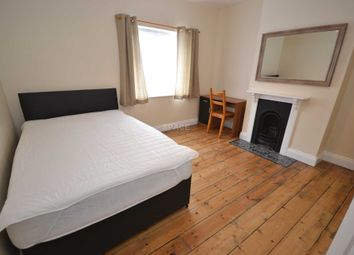 Thumbnail 4 bed terraced house to rent in Wykeham Road, Reading, Berkshire