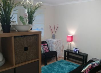 Thumbnail Room to rent in Elmscroft Gardens, Potters Bar