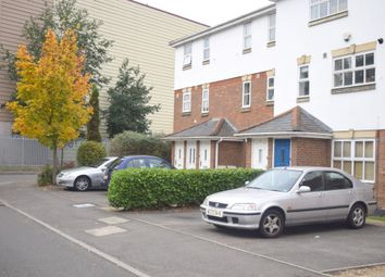 2 bed maisonette to rent in Tolgate Drive, Hayes UB4
