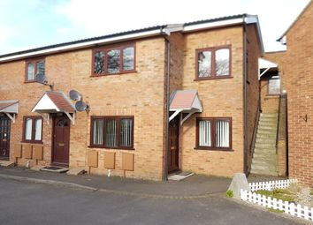 Thumbnail 2 bed flat for sale in Oakley Road, Chinnor