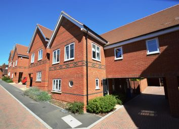 Thumbnail 3 bed property to rent in Vicarage Mews, Maidenhead