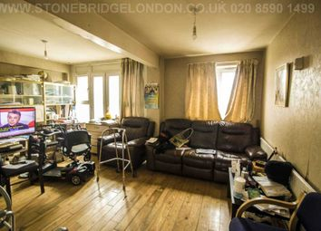 Thumbnail 2 bed flat for sale in Paragon Road, London