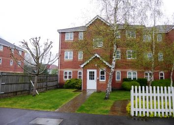 1 bed flat to rent in 69 Woodfield Road, Thames Ditton KT7