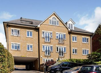 2 bed flat to rent in Bean Road, Greenhithe DA9