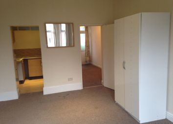 Thumbnail 1 bedroom flat to rent in Stockwood Crescent, Luton