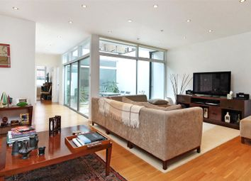 1 bed maisonette to rent in Lansdowne Mews, London W11