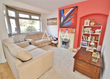 3 bed property to rent in Thurlow Gardens, Ilford IG6