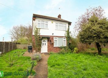 Thumbnail 3 bed detached house to rent in Windmill Lane, Cheshunt, Waltham Cross
