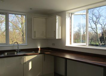 3 bed flat to rent in Pound Tree Road, Southampton SO14