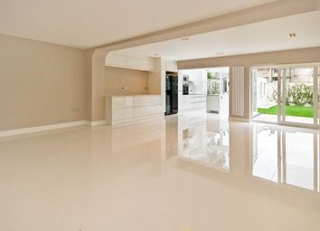 Thumbnail 4 bed detached house to rent in Court Close, London