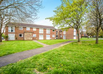 Thumbnail 2 bedroom flat for sale in Perry Green, Hemel Hempstead