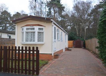 Thumbnail 2 bedroom mobile/park home for sale in California Country Park Homes, Finchampstead