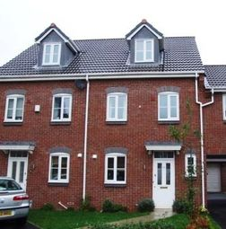 Thumbnail 3 bed town house to rent in Goldfinch Court, Chorley