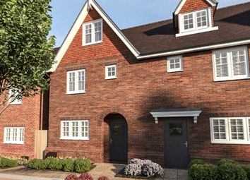 Day Close, Horley RH6. 3 bed town house for sale