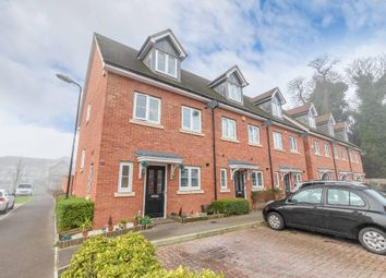 3 bed end terrace house for sale in Denton Way, Langley SL3