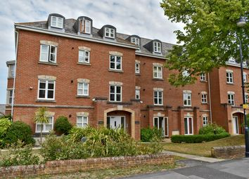 Thumbnail 2 bed flat for sale in Hillcroft Close, Lymington