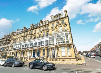 2 bed flat for sale in Royal Court, Kings Gardens, Hove BN3