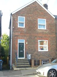 Thumbnail 1 bed flat to rent in Queens Road, East Grinstead West Sussex