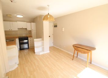 Thumbnail 1 bed flat to rent in Granville Road, St.Albans