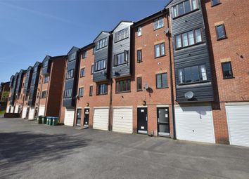 Thumbnail Flat for sale in Dunvegan House, Garlands Road, Redhill