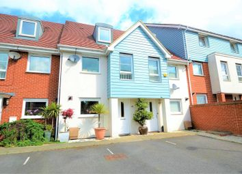 3 bed property for sale in Wraysbury Drive, West Drayton UB7