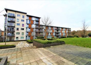 Thumbnail 2 bed flat for sale in Commonwealth Drive, Crawley, West Sussex.