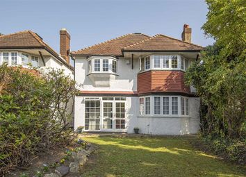 High Road, London N20. 4 bed detached house