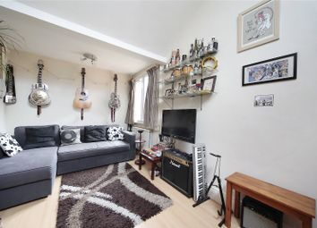 Thumbnail 1 bed flat to rent in Windsor Court, Frogmore, Wandsworth
