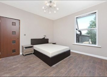 Thumbnail Room to rent in Heathwood Gardens, London