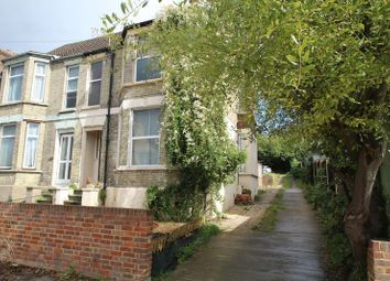 Thumbnail 2 bed property to rent in Roberts Road, High Wycombe